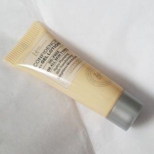 5/25 bundle It Cosmetics Confidence in a Gel